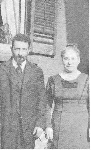 01 pg10 Mr&Mrs David Florence